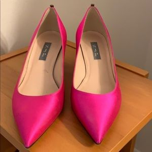 SJP pointy shoes in hot pink